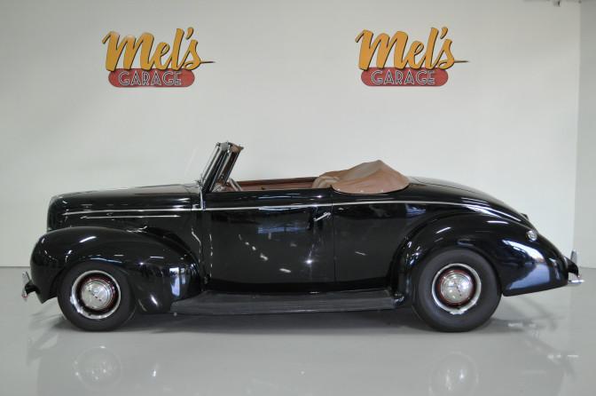 Ford V8 Deluxe Cabriolet 1939-SÅLD!