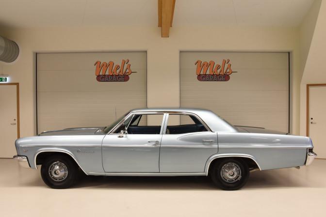 Chevrolet Impala 4-dr Sedan-SÅLD!