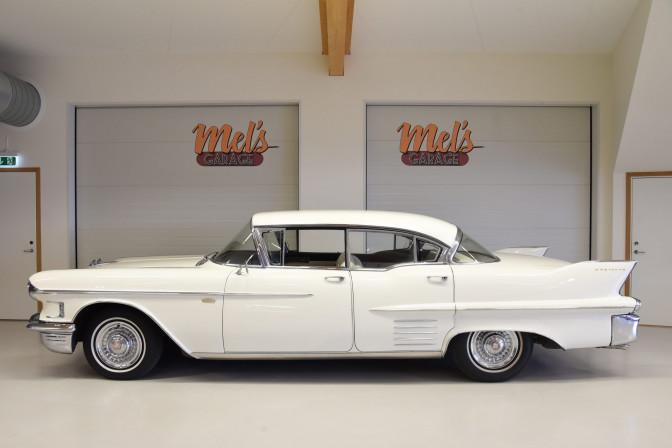 Cadillac Serie 62 Sedan 4-dr HT 1958-SÅLD!