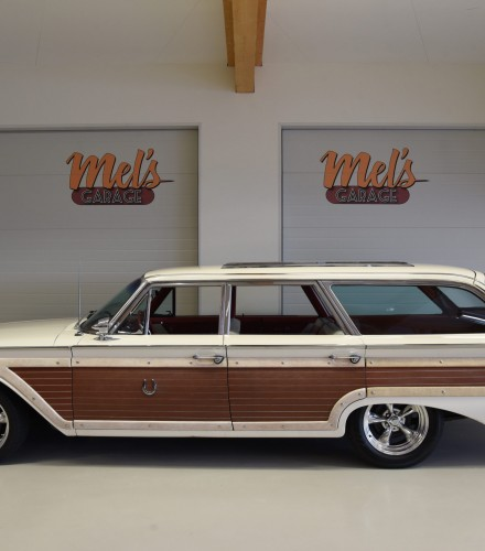 Ford Country Squire Station Wagon 6-P 1960