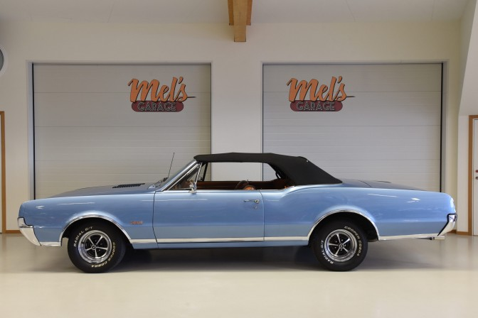 Oldsmobile Cutlass Convertible 1967-SÅLD!