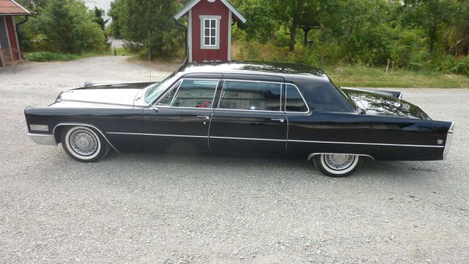 Collectors Car: Cadillac Fleetwood Seventy-Five Limousine 1966