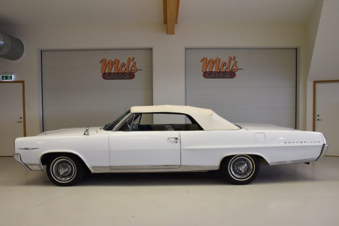 TILL SALU: Pontiac Bonneville Convertible 1964