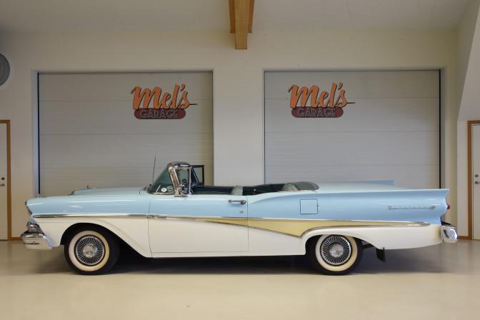 SÅLD! Ford Fairlane 500 Skyliner 1958
