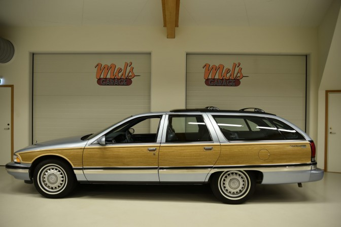 TILL SALU: Buick Roadmaster Limited Estate Wagon 1995