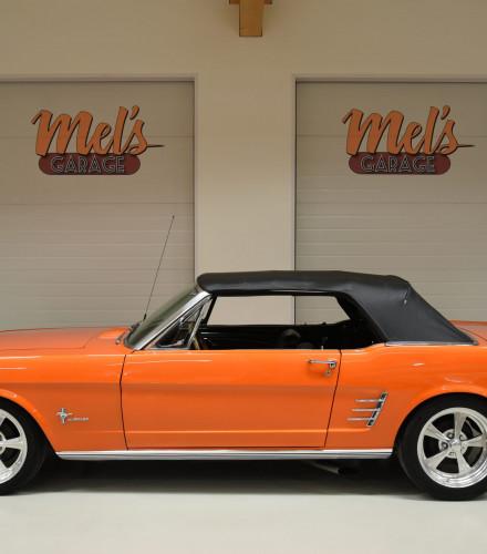 TILL SALU: Ford Mustang Convertible 1966