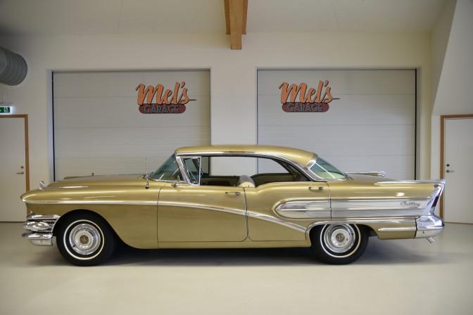 TILL SALU: Buick Century Riviera 4-dr HT 1958